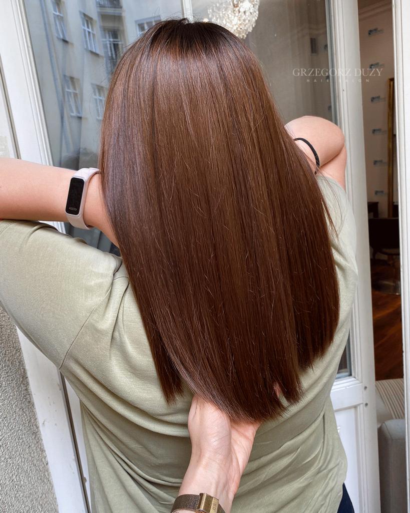 brąz włosy